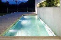 How to Maintain Your Pool in Freezing Temperatures